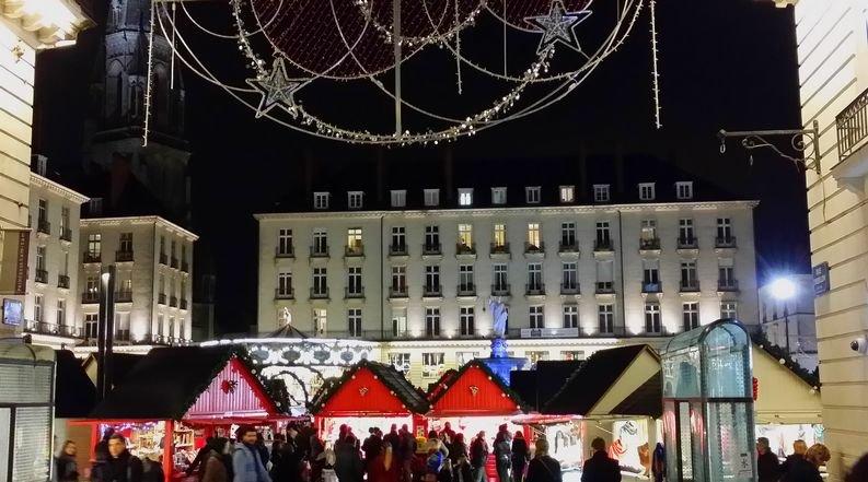 Place Royale et son marché de Noël