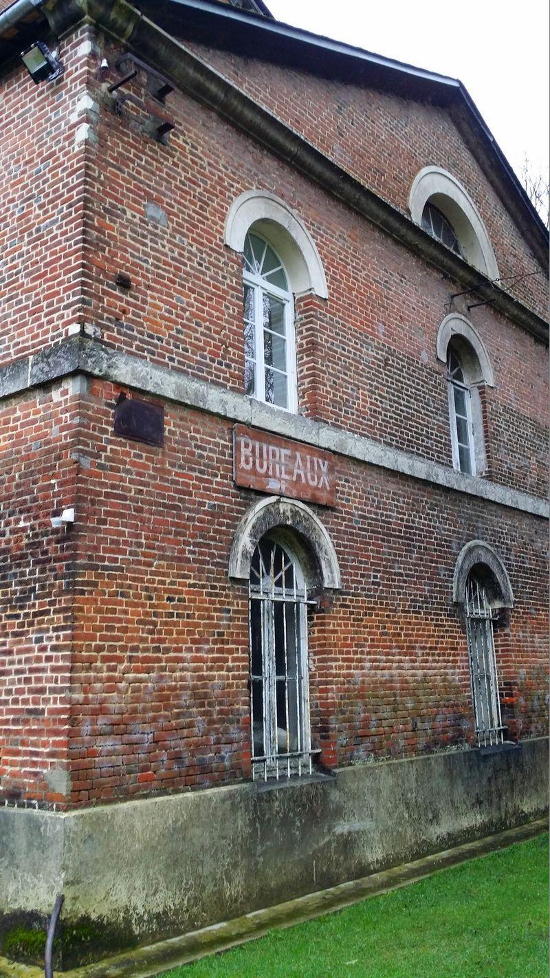 Bâtiment du XIXème siècle abritant les alambics