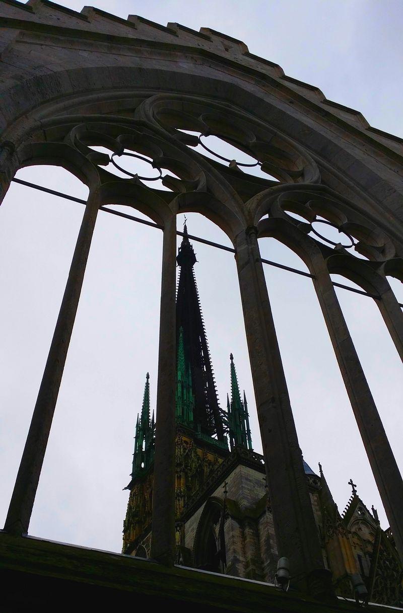 Flèche de la Cathédrale, vue de la rue St Romain