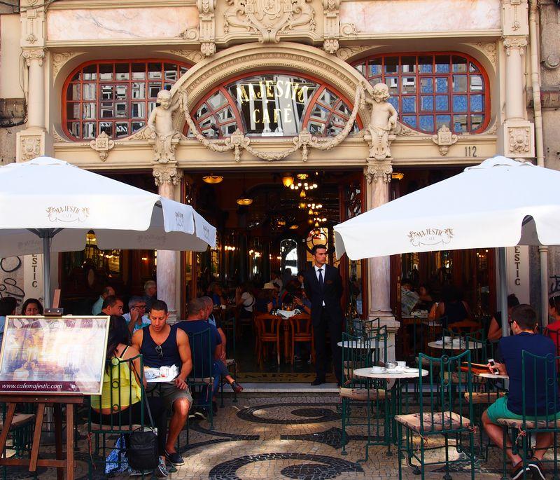 Le Café Majestic