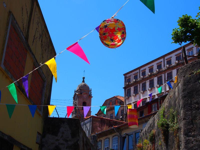 Fanions dans les rues de Porto
