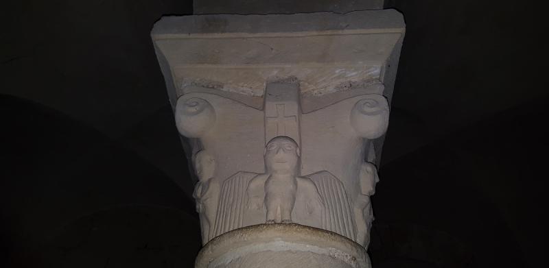 Chapiteau Historié : l'archange St Michel