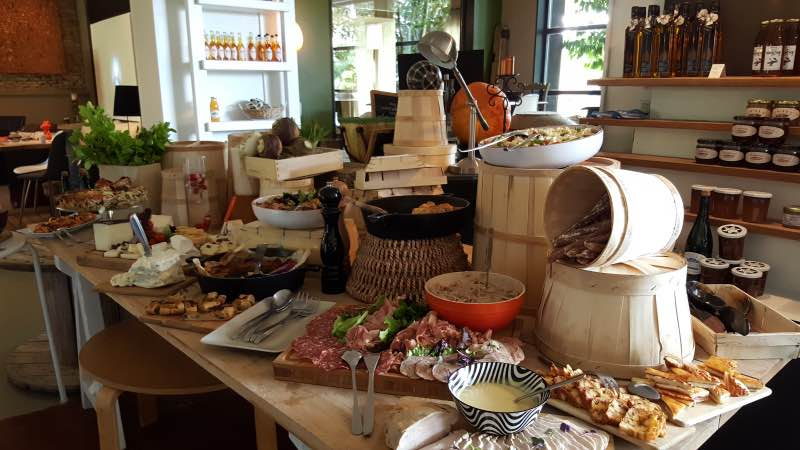 Le brunch de la Ferme de Billy