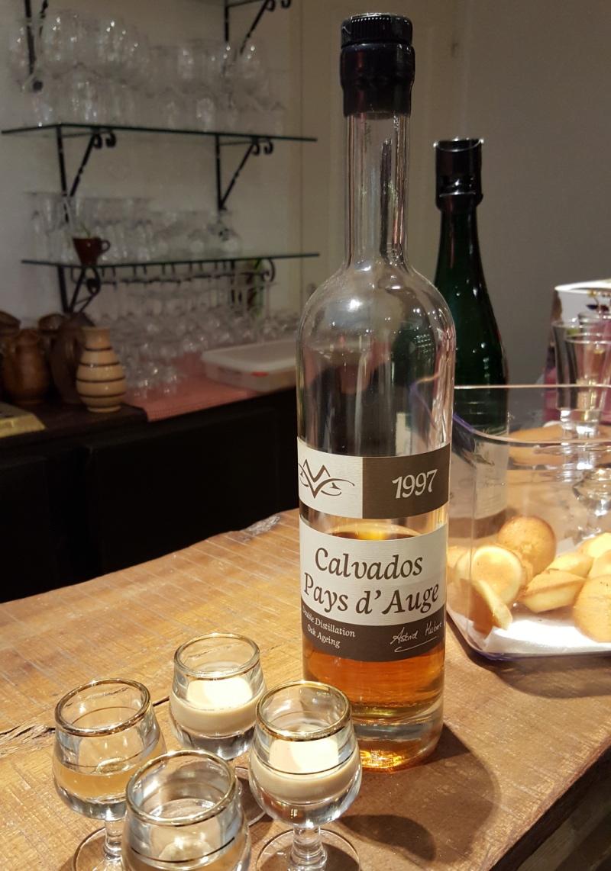 Le-volet-qui-penche-Bayeux