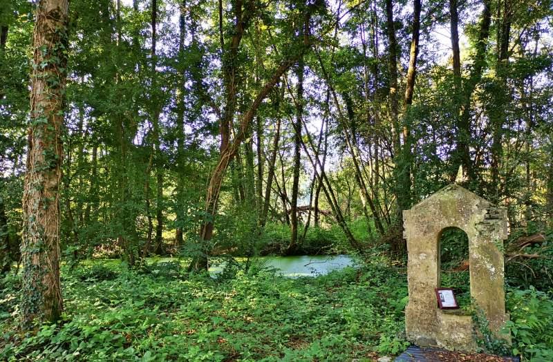 La fontaine miraculeuse du parc de la Briandais
